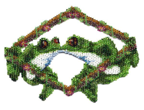 Kissing Frogs Weave Necklace